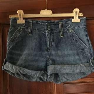 AX牛仔短褲