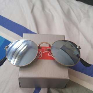 Brand New Authentic Rayban Foldable Sunglasses RB3532