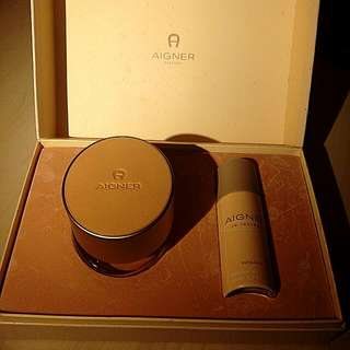 Aigner In Leather By Etienne Aigner Gift Set