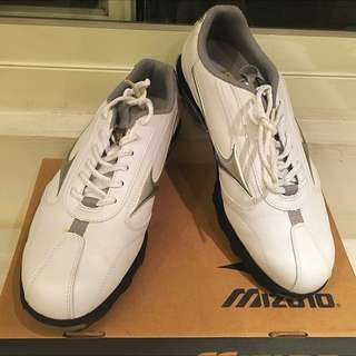 🚚 美津濃高爾夫球鞋