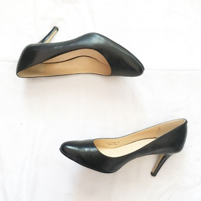 Cole Haan Black Almond Toe Pumps