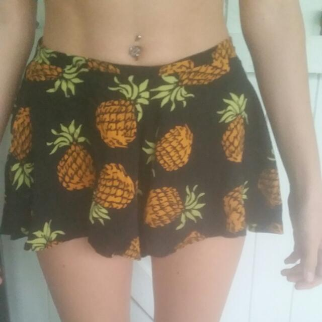 High Waisted Pineapple shorts