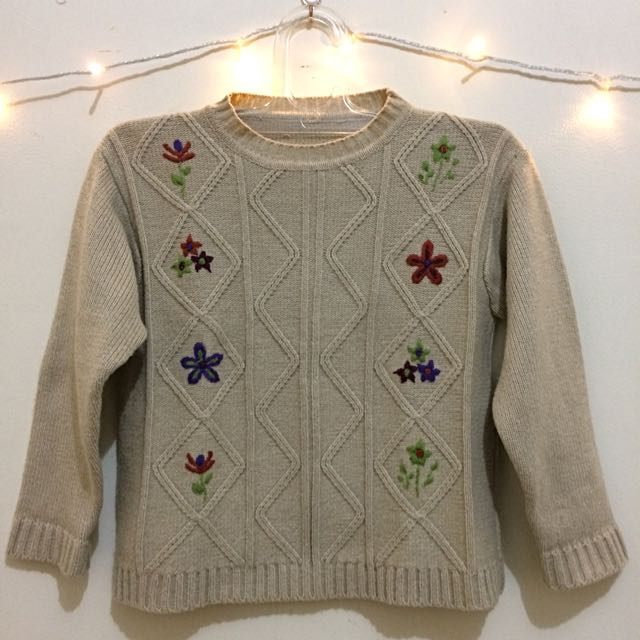Knitted Sweater with Flower Embroidery