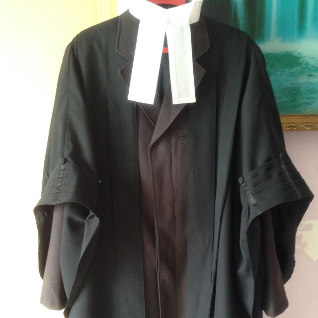 3XREDUCE Jubah Peguam/Lawyer\'s Gown UK, Everything Else, Others on ...