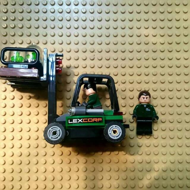 Lego Luthor's Henchmen With Forklift