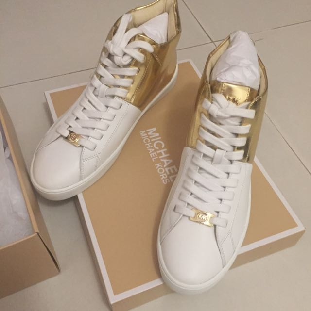 [100% Authentic] Michael Kors Toby High Top