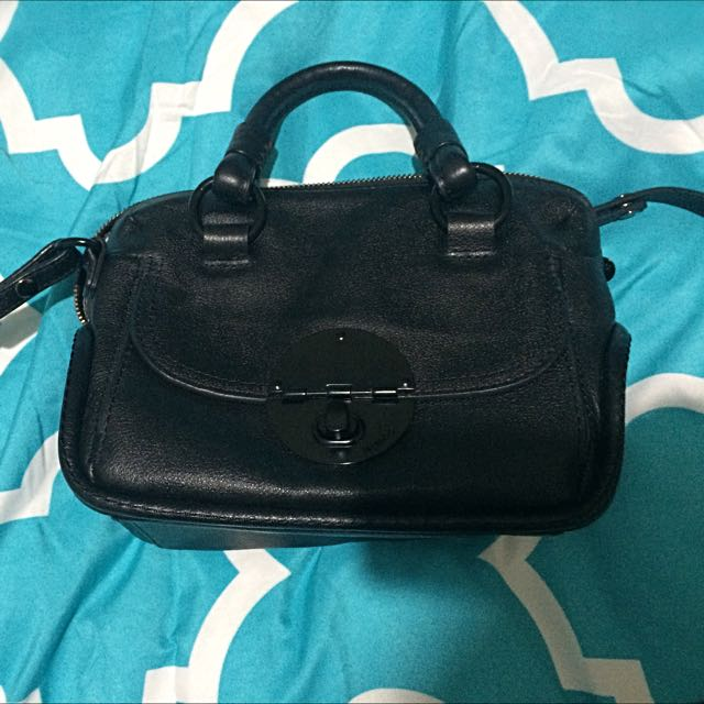 Mimco Petite Turnlock In Matte Black