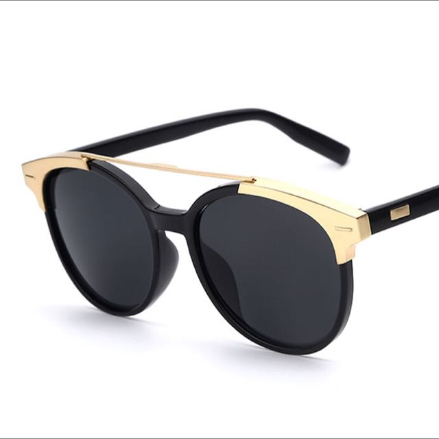 Selling TOTAL Sunglasses Women