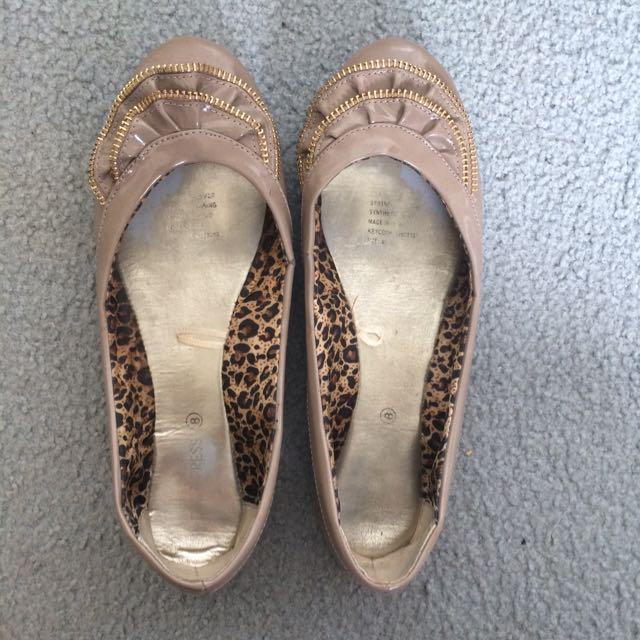 Size 8 Ballet Flats