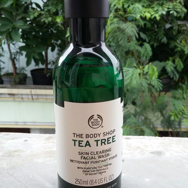 Tea Tree The Body Shop Facial Wash