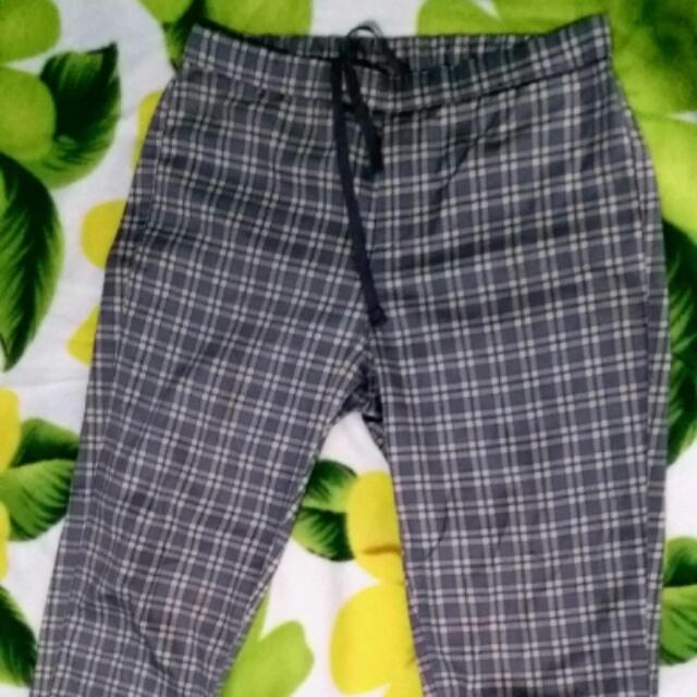 Uniqlo Checkerd Pants