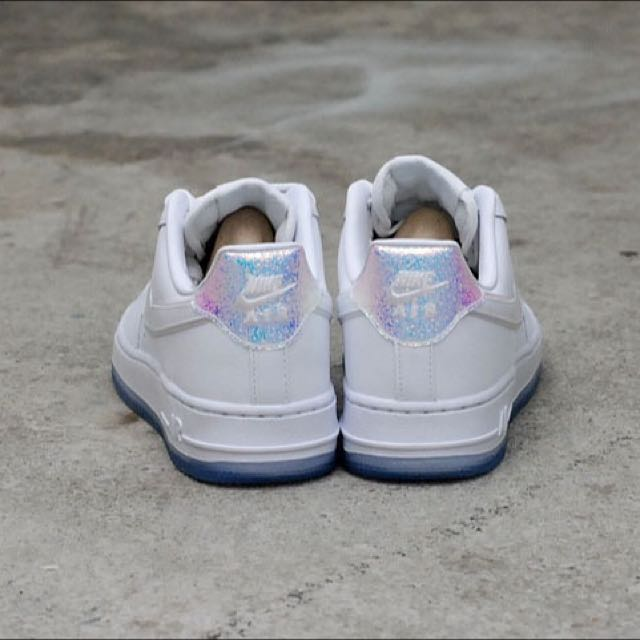 US 7.5 Nike Air Force 1 07 PRM Holographic, Women's