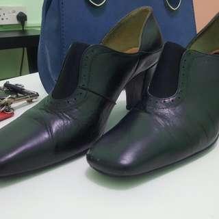 Bonia Black Heels