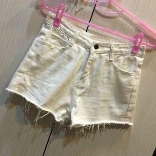 (200含運)白色短褲