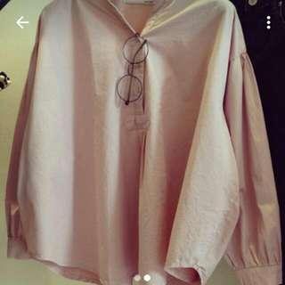 粉色長袖襯衫