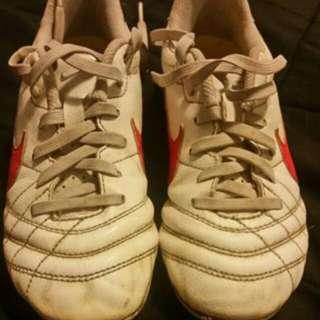 Children's NIKE soccer Boots
