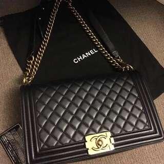 NEGOTABLE Chanel New Medium Le Boy