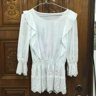 純白 縮腰 雕花 簍空 裙擺 七分袖 上衣