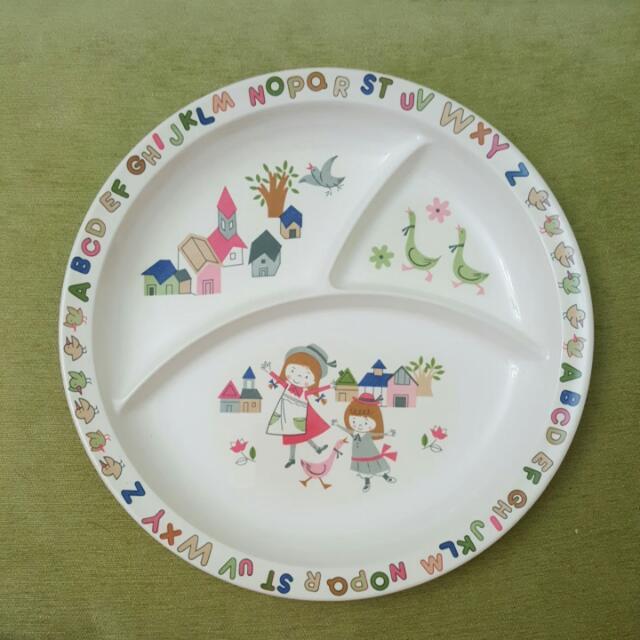 小女孩3格點心餐盤