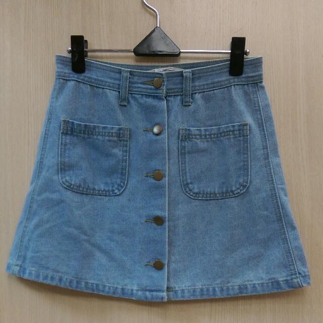東區淺藍銅色排釦A字牛仔裙