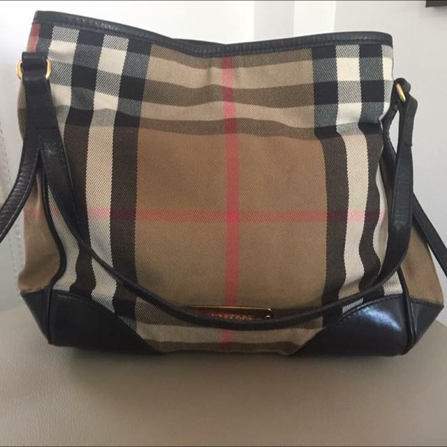 Auth Burberry Totebag