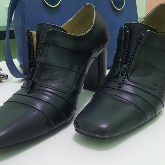 Bonia Black Office Heels