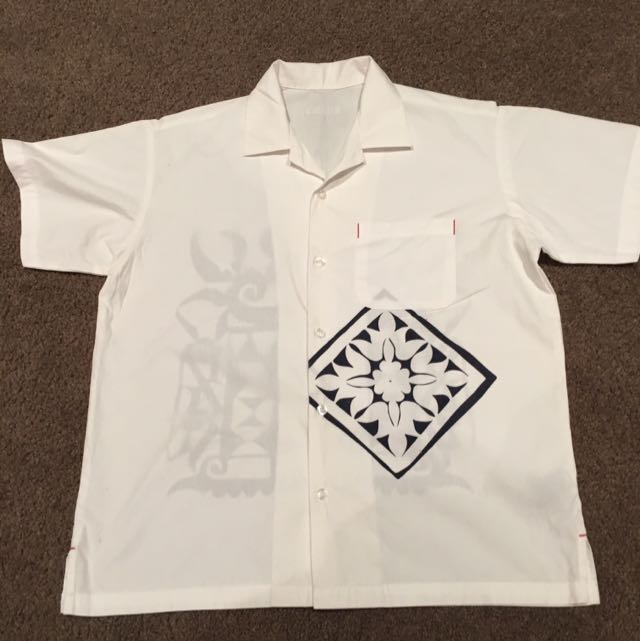 Boy Guess Shirt Fit A 13 Or 14 Year Old