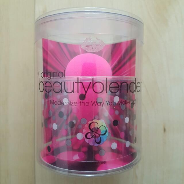 BRAND NEW BEAUTY BLENDER ORIGINAL UNTOUCHED IN BOX