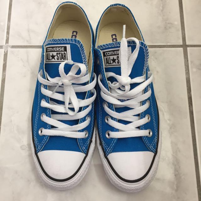 Brand New Women Blue Converse Size 8