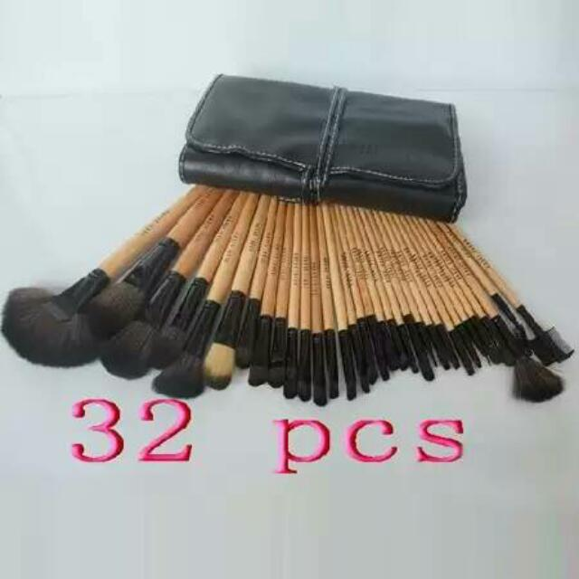 Brush Set 32 Pcs.