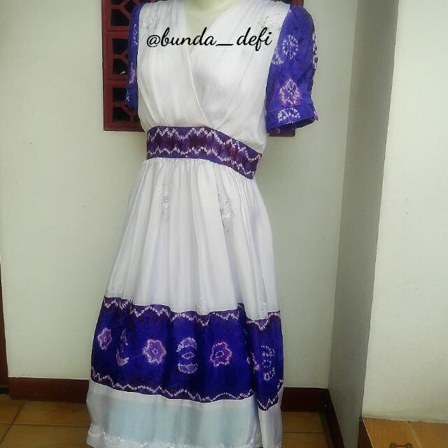 Dress Putih Kombimasi
