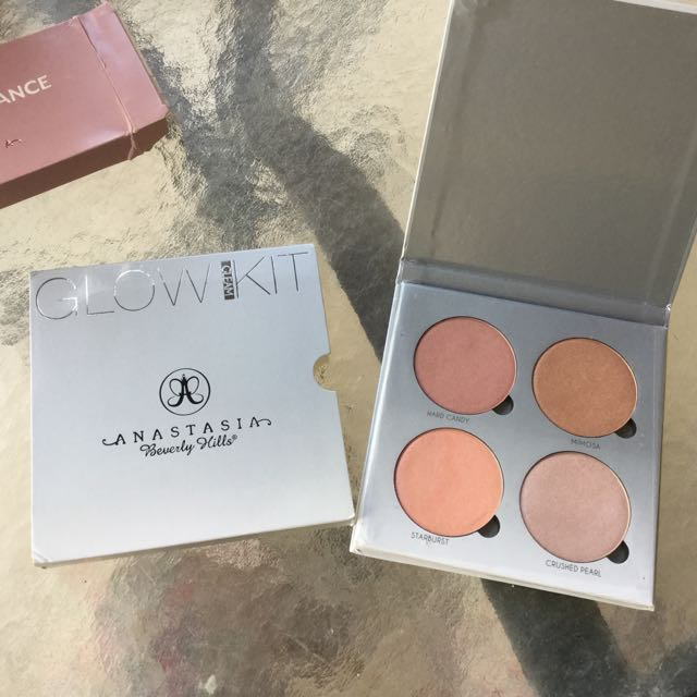 Free Fake Glow Kit With Purchase