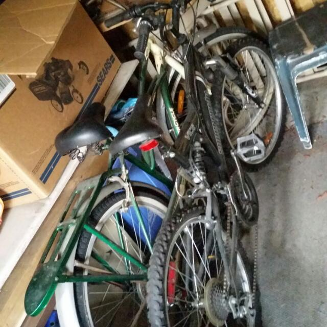 Gently Used Bikes! Ones A Supercycle And The Other Is A Schwin