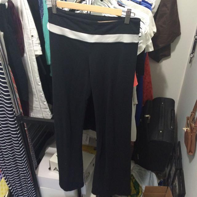 Lululemon 6R Yoga Pants