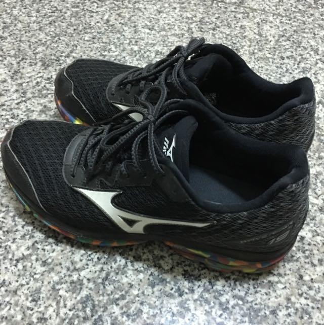 MIZUNO 慢跑鞋(US9)