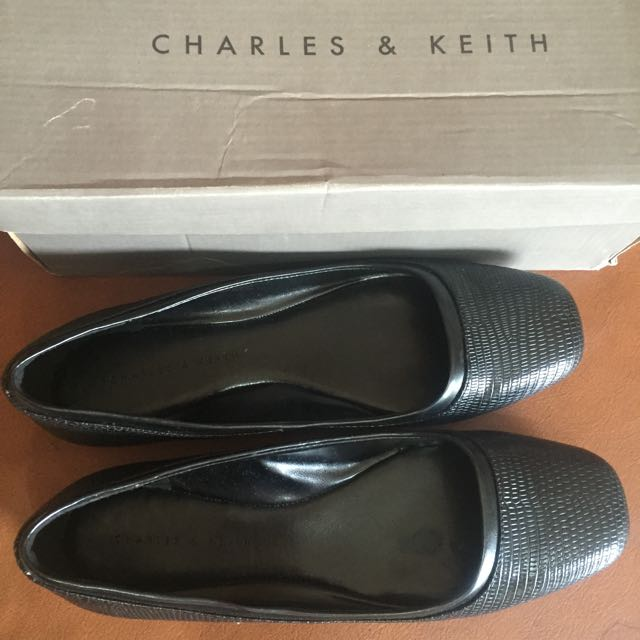 S8 Black Flats - Charles & Keith