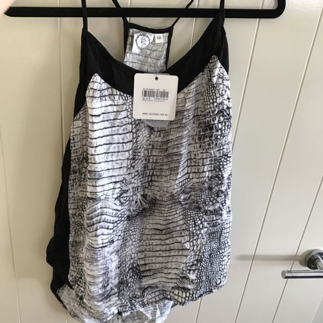 Silent Wishes Size 10 Singlet