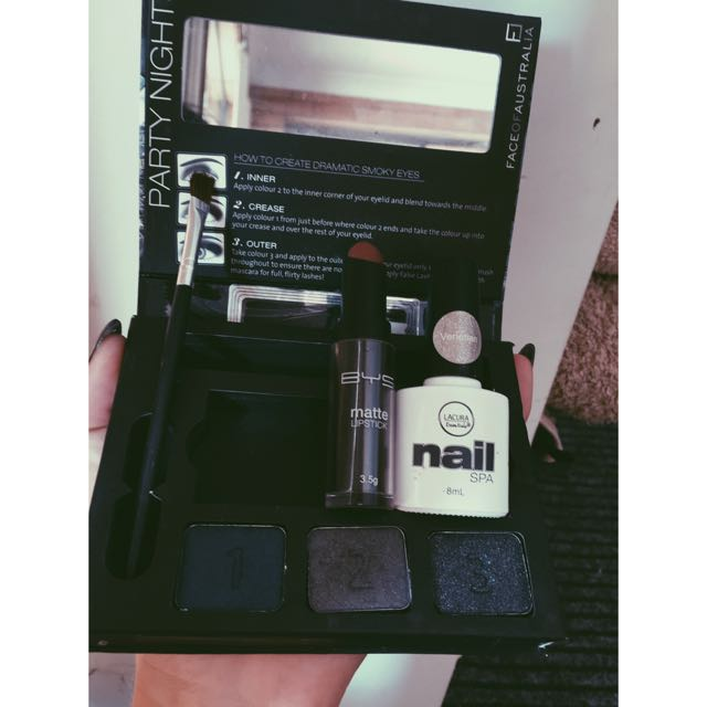 Smokey Eye Kit With Brush Matte Lip Stick And Shellac Nail Polish