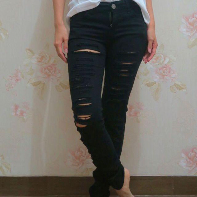 Stardivarius black Ripped Jeans 🌟