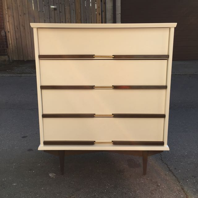 Two Toned Mid Century Style Deesser