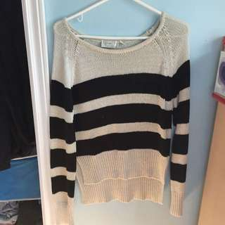 Black And White Knitted Long Sleeves