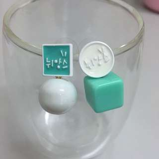 韓款撞色薄荷綠不對稱時款耳環