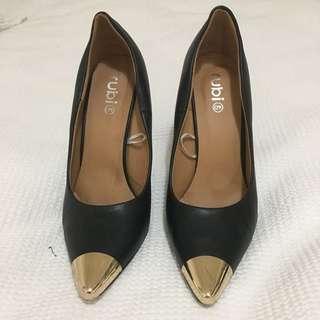 Rubi black pointed toe Heels