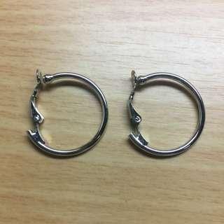 大圓造型耳環