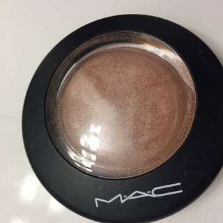 MAC Highlighter/Illuminator