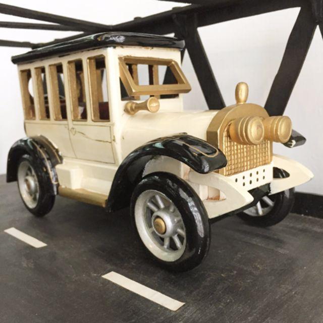 手繪經典木製骨董車模型 [似Austin 7老爺車款]。外銷歐洲款絕版商品