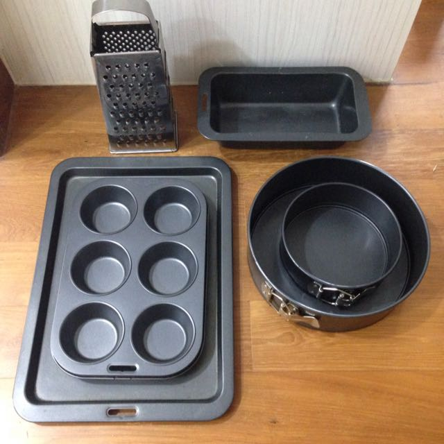 *Reserved* Assorted Baking Ware