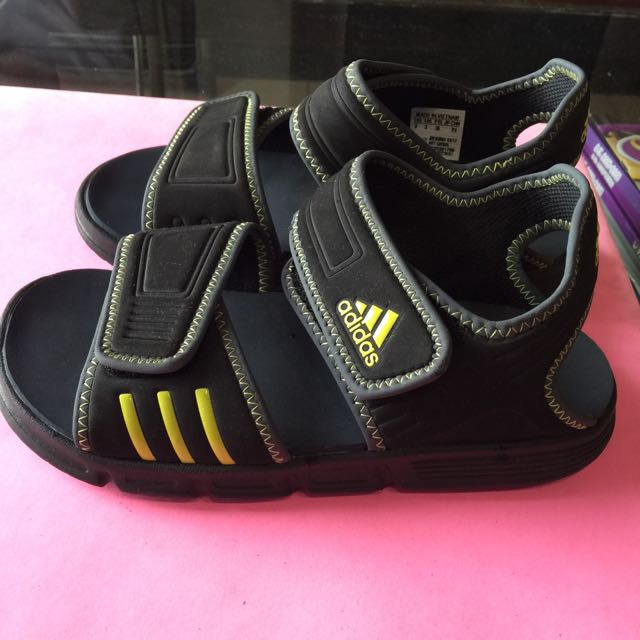 Authentic Adidas sandals For Boys Size UK 3