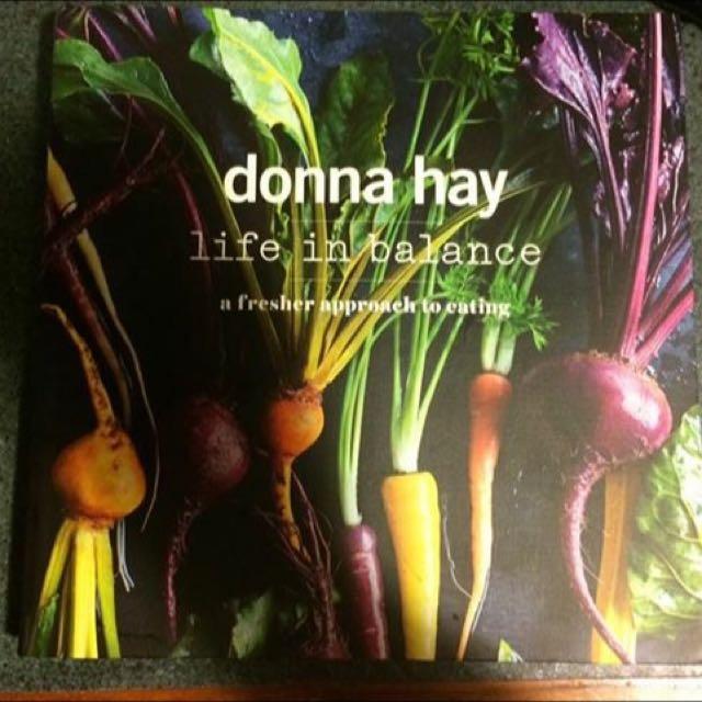 BRAND NEW Donna Hay Cookbook
