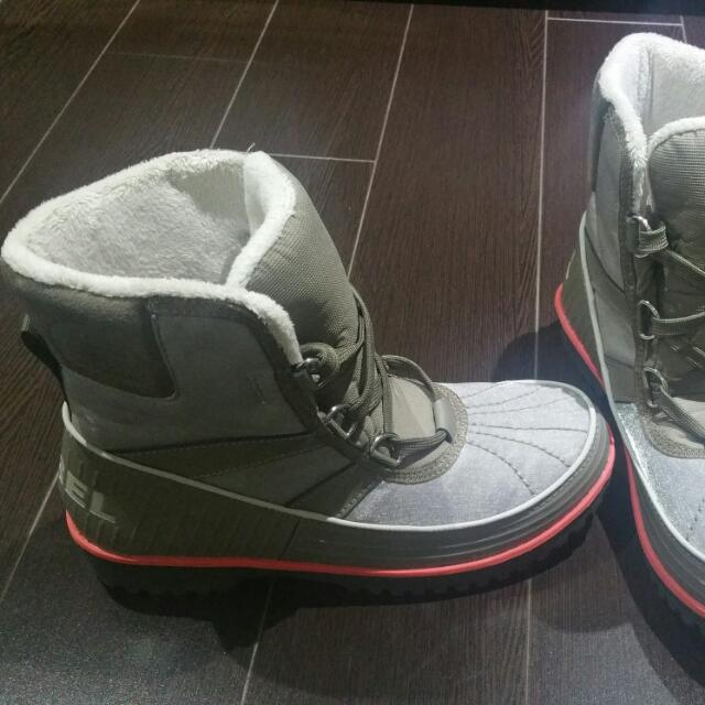 BRAND NEW SOREL WINTER BOOTS size 7.5